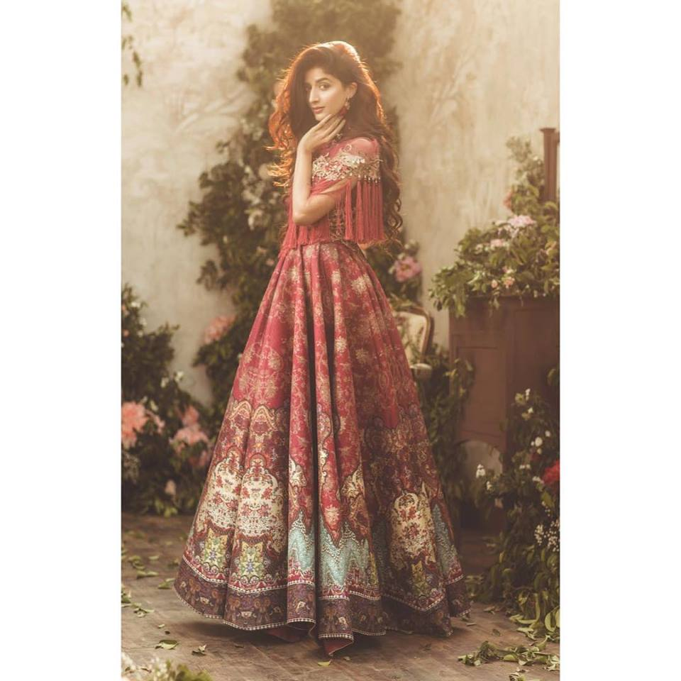 Mawra Hocane Introduces Emerging Trends Of Saree As Outfit